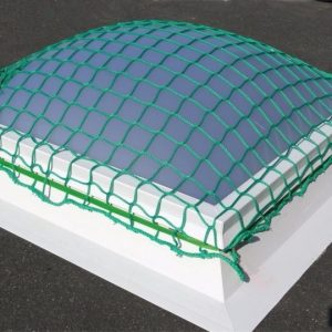 Polypropylene knotless net for light domes and skylights
